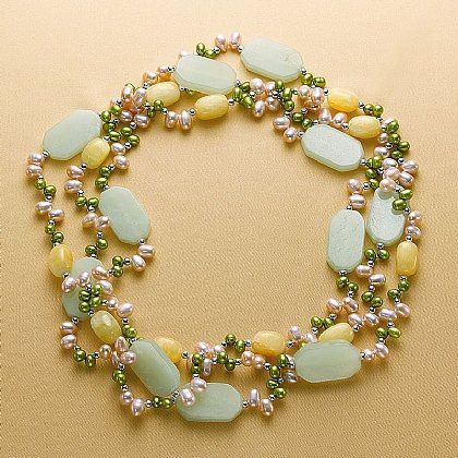 Collier perles May Morris